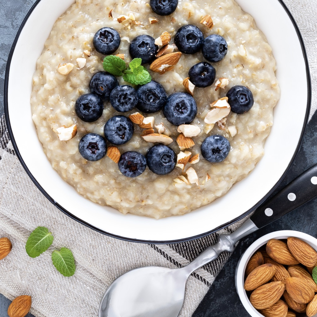 Oat porridge with apples, almonds & IsoWhey® photo