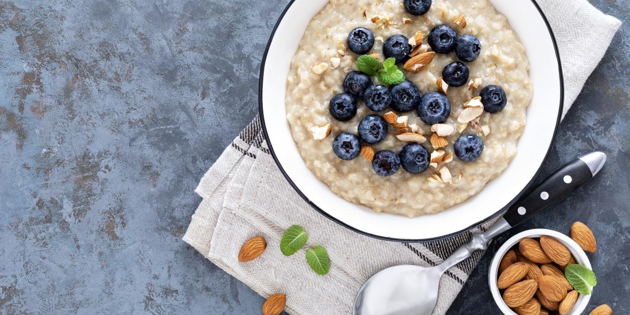 Oat porridge with apples, almonds & IsoWhey® photo