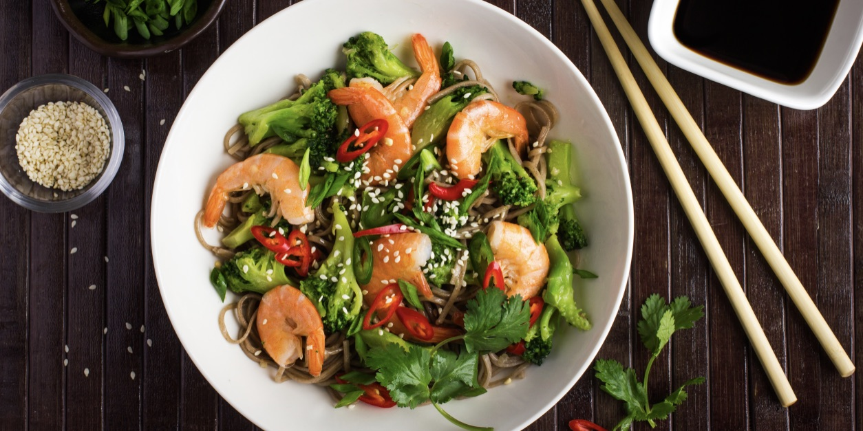 Prawn & lemongrass stir-fry with spinach photo